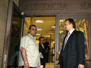 Jaled el Masri (izquierda) en la Audiencia Nacional en 2006.