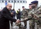 El ministro de Defensa francés admite cientos de bajas islamistas