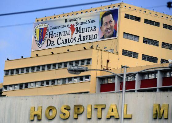 Fachada del hospital caraqueño donde está ingresado Chávez.