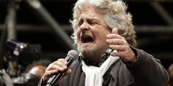 Beppe Grillo, en el mitin de esta noche en Roma.