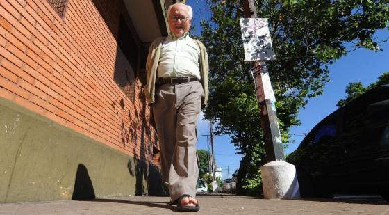 El cura español José Caravias, el viernes en Paraguay.