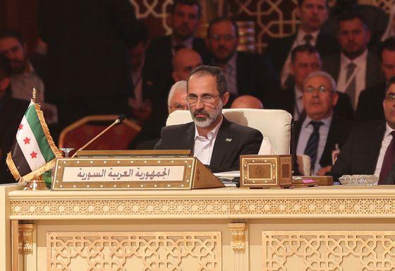 La oposición siria releva al régimen de El Asad ante la Liga Árabe