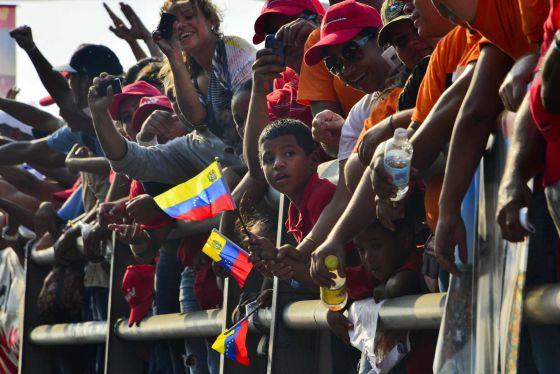 Elecciones en Venezuela - Victoria de Maduro con el 50,66% de los votos. 1365806164_423568_1365822851_noticia_normal