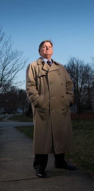 El cazador de espías de la DIA Scott Carmichael.