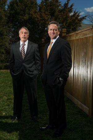 Los agentes del FBI Steve McCoy, a la izquierda, y Pete Lapp.