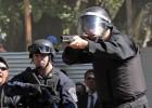 Empleados públicos argentinos paran contra una represión policial