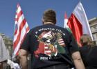 Ultras húngaros a la caza de gitanos y judíos