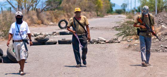 Miembros de la autodefensa ciudadana en La Ruana (Michoacán).