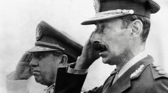 Videla (en primer plano) y Pinochet, en Chile en 1978.