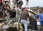 El tornado en Oklahoma deja una estela de muerte y devastación
