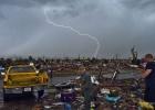 Las tormentas retrasan las labores de recuperación en Oklahoma