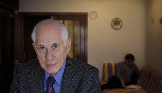 El economista cubano Carmelo Mesa Lago en una imagen de 2009