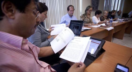 Estudio de los proyectos de cesión del canal en el Parlamento de Nicaragua el pasado 7 de junio.