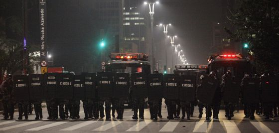 Cuerpos de policía en las calles de Sao Paulo.