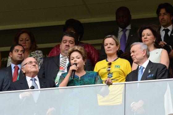 La presidenta Dilma Rousseff declara inaugurada la Copa Confederaciones.