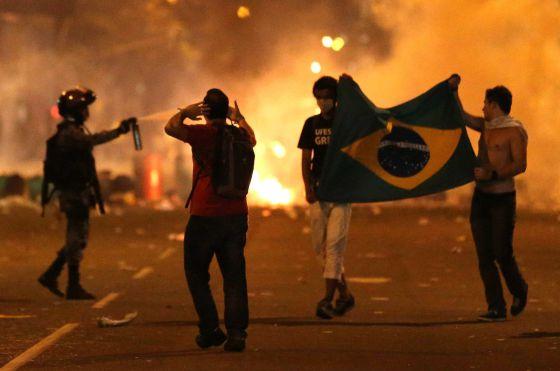Manifestación en Niterói, ciudad vecina a Río.