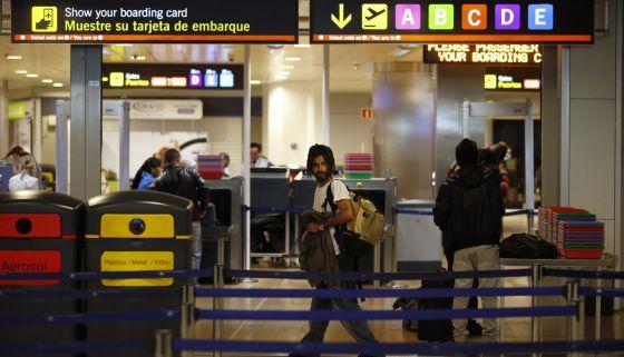 Una imagen de la zona de embarque del aeropuerto de Barajas de Madrid