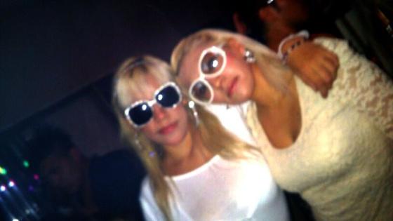 Jennifer Robles (izquierda) con su hermana Jacqueline.