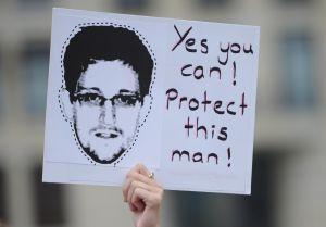 Protesta a favor de Snowden en Berlín, el jueves 4 de julio.