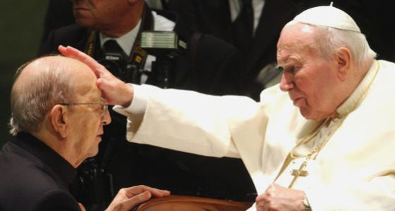 Juan Pablo II, junto a Marcial Maciel en imagen de archivo.