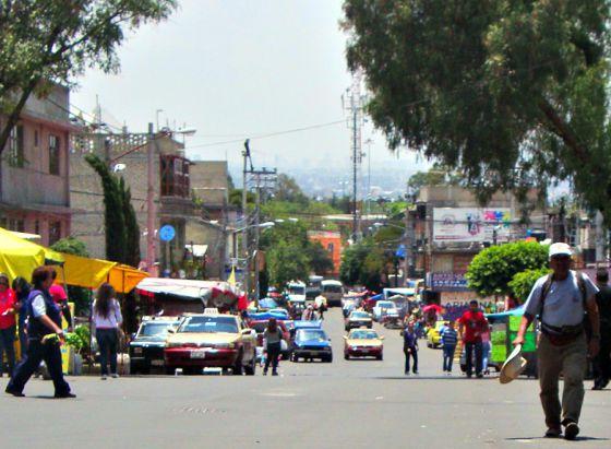 Una de las principales avenidas del barrio Pedregal de Santo Domingo.