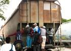 Al menos seis muertos en México al descarrilar el tren 'La Bestia'