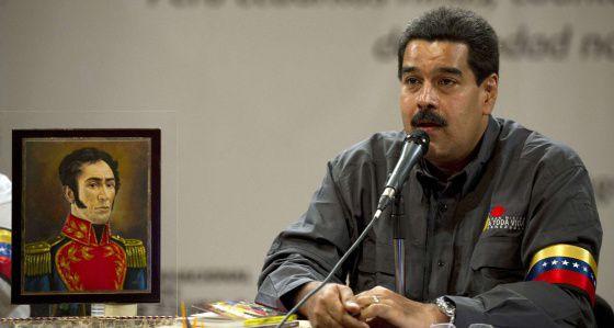 Maduro durante la inauguración de la Feria del Libro de Caracas.