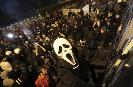 Un miembro del movimiento Black Bloc, en una protesta en Sao Paulo.