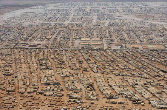 Vista aérea del campo de refugiados de Zaatari, Jordania, poblado por 130.000 personas huidas de la guerra en Siria.