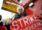 California aprueba subir el salario mínimo de los trabajadores