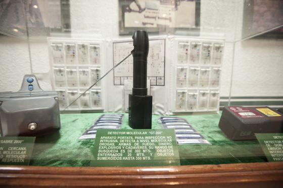 El detector molecular GT200, en el Museo de Enervantes del Ejército mexicano.
