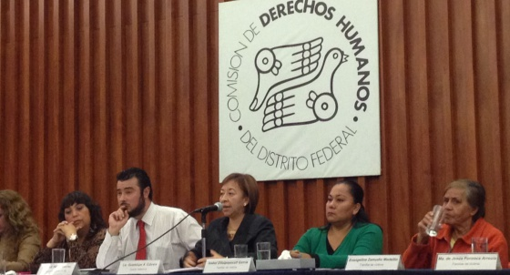 Rueda de prensa de Defensoría del Pueblo del DF con familiares de víctimas.