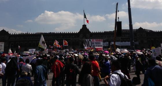 El Zócalo capitalino volvió a ser el escenario de la protesta.