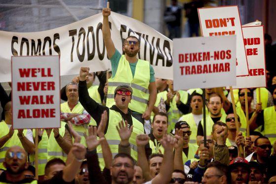 Protesta contra los Presupuestos de 2014, el viernes en Lisboa.