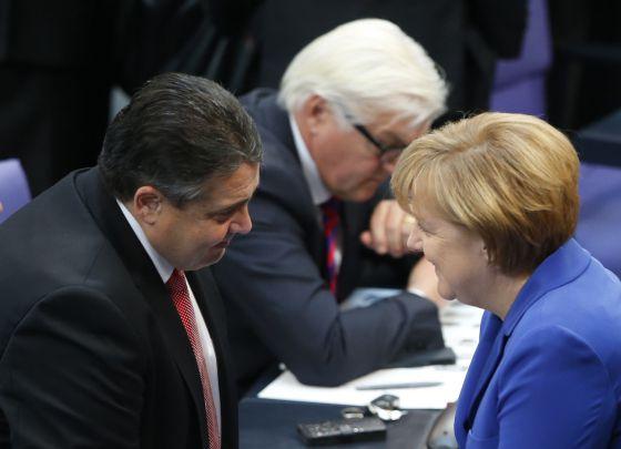 Merkel y Sigmar Gabriel, líder del SPD, en octubre en Berlín.