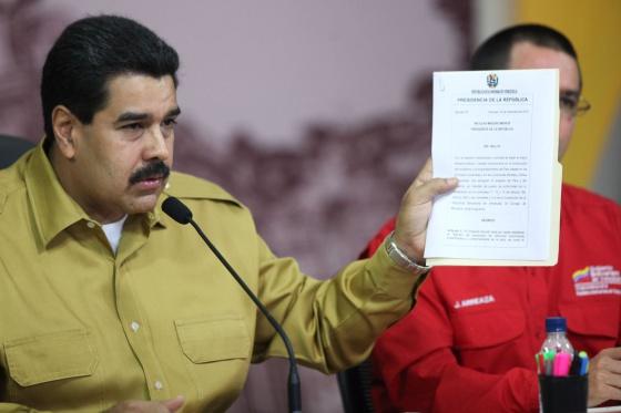 Nicolás Maduro durante el anuncio de nuevas regulaciones económicas