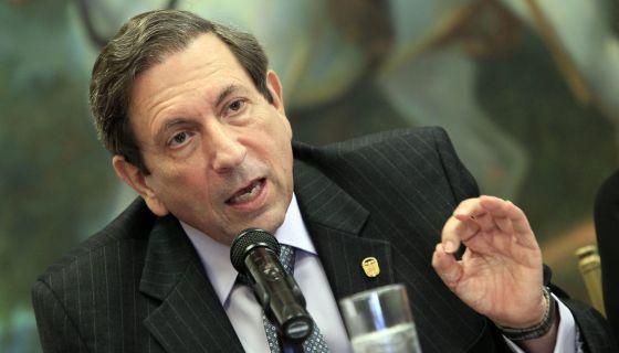 Núñez Fábrega, canciller panameño, este lunes en rueda de prensa.