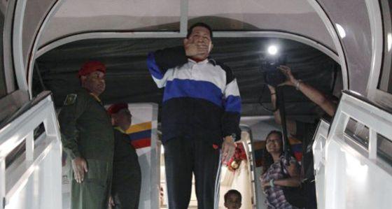 El misterioso destino del avión de Chávez