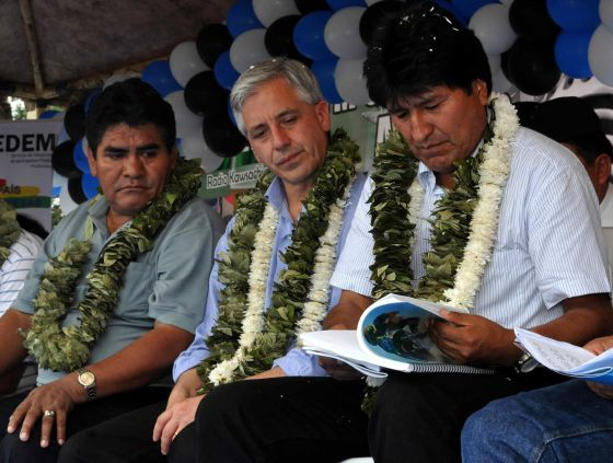 La visita de Vargas Llosa a Bolivia despierta suspicacia en Evo Morales