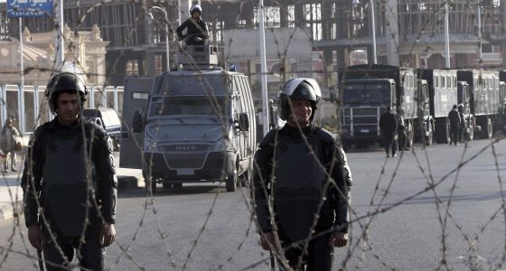 Egipto aplaza el juicio a Morsi