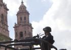Autodefensas y militares chocan en Michoacán