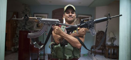 """""""No te doy mi nombre, pero ponte que soy el Maniguas para que El Chayo vea bien en donde ando y con lo que le voy a recibir cuando me venga a buscar"""", relata este autodefensa en el Estado mexicano de Michoacán."""
