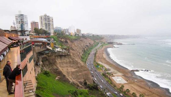 Vista de la Costa Verde de Lima, Perú