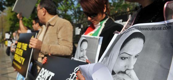 Manifestación en protesta contra una ejecución ante la embajada iraní en Londres.