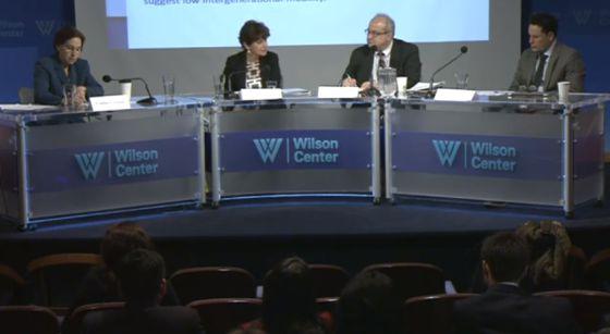 Los ponentes durante la presentación del informe del Banco Mundial 'Ganancias sociales en la balanza en América Latina y el Caribe'.