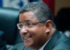 El Parlamento salvadoreño pide juzgar al expresidente Flores