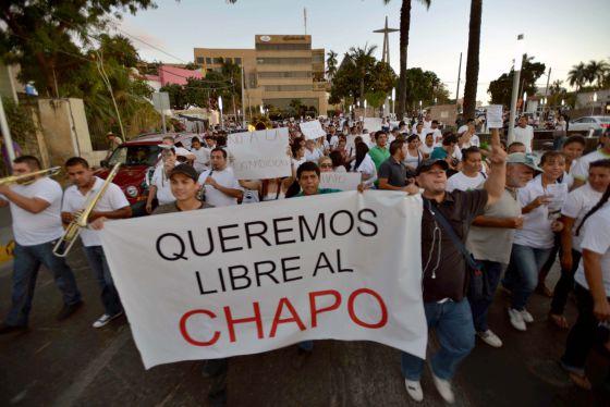 Unas 2.000 personas marcharon en apoyo de Joaquín Guzmán