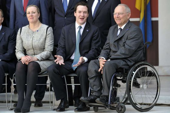 Los ministros de Finanzas de Finlandia, Reino Unido y Alemania en Atenas.