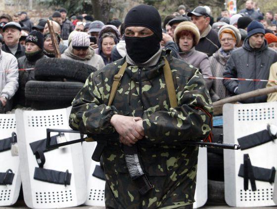 Los rebeldes prorrusos se arman y avanzan en el este de Ucrania
