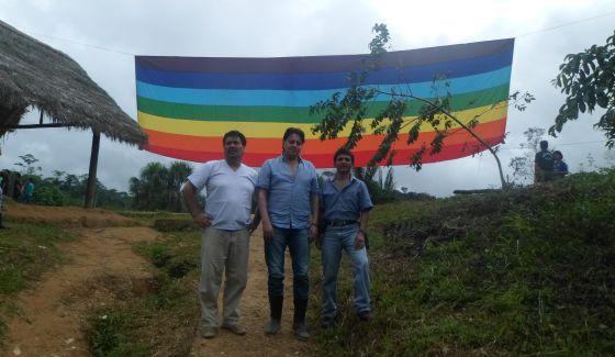 Figueroa, Villavicencio y Jiménez, en la selva.
